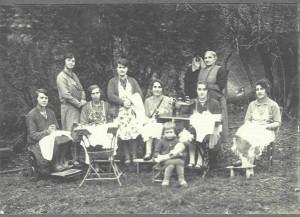 club de couture à Longwy vers 1930