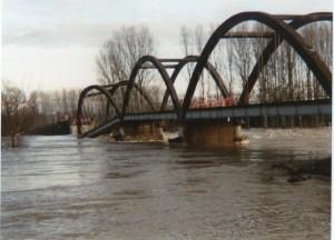 Février 1990, la crue de Doubs emporte le pont